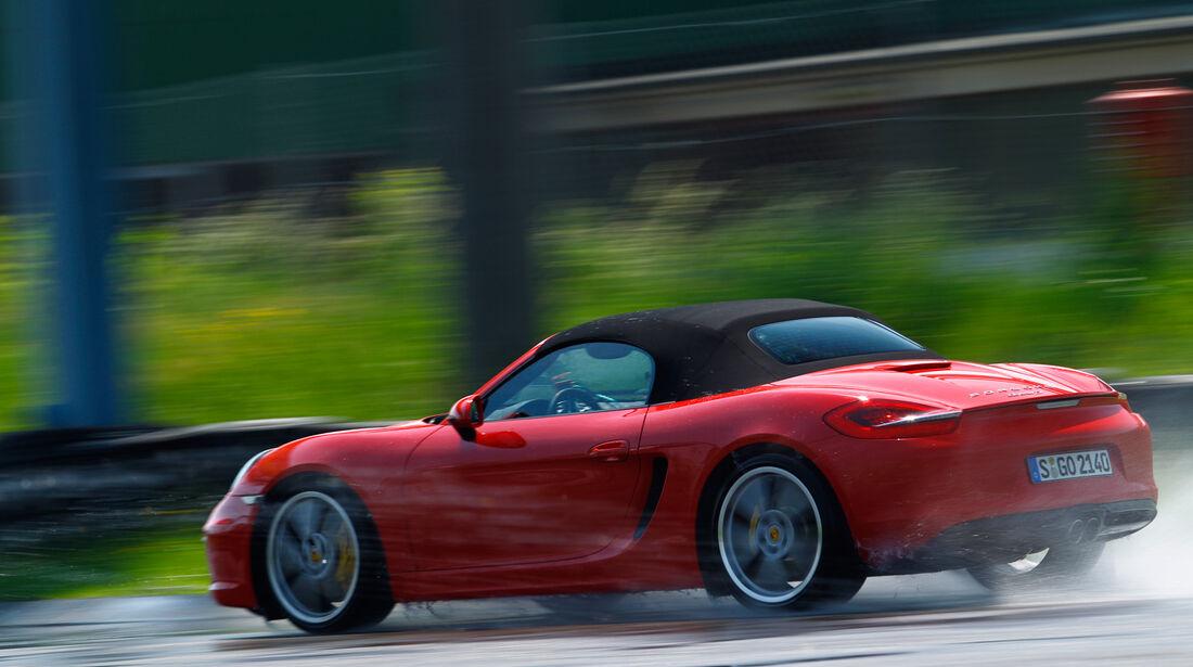 Porsche Boxster S, Seitenansicht, Nasshandling