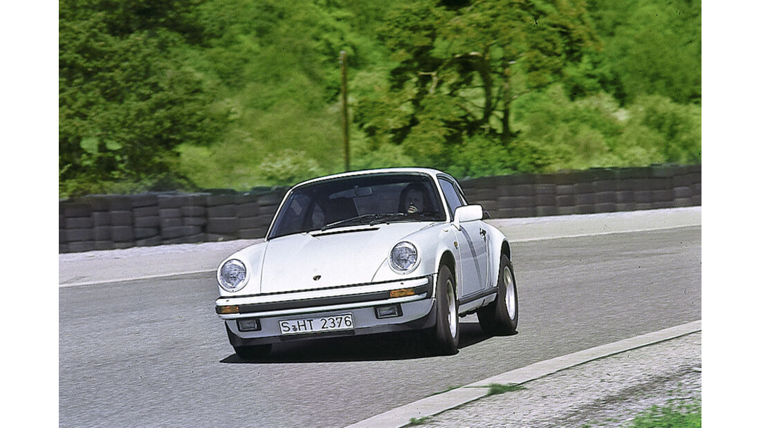 Porsche Carrera 3.2, Frontansicht, Kurvenfahrt