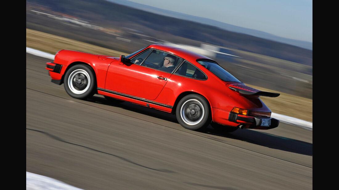 Porsche Carrera 3.2, Seite