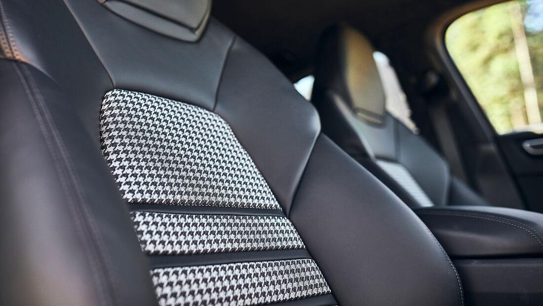 Porsche Cayenne Coupe, Interieur