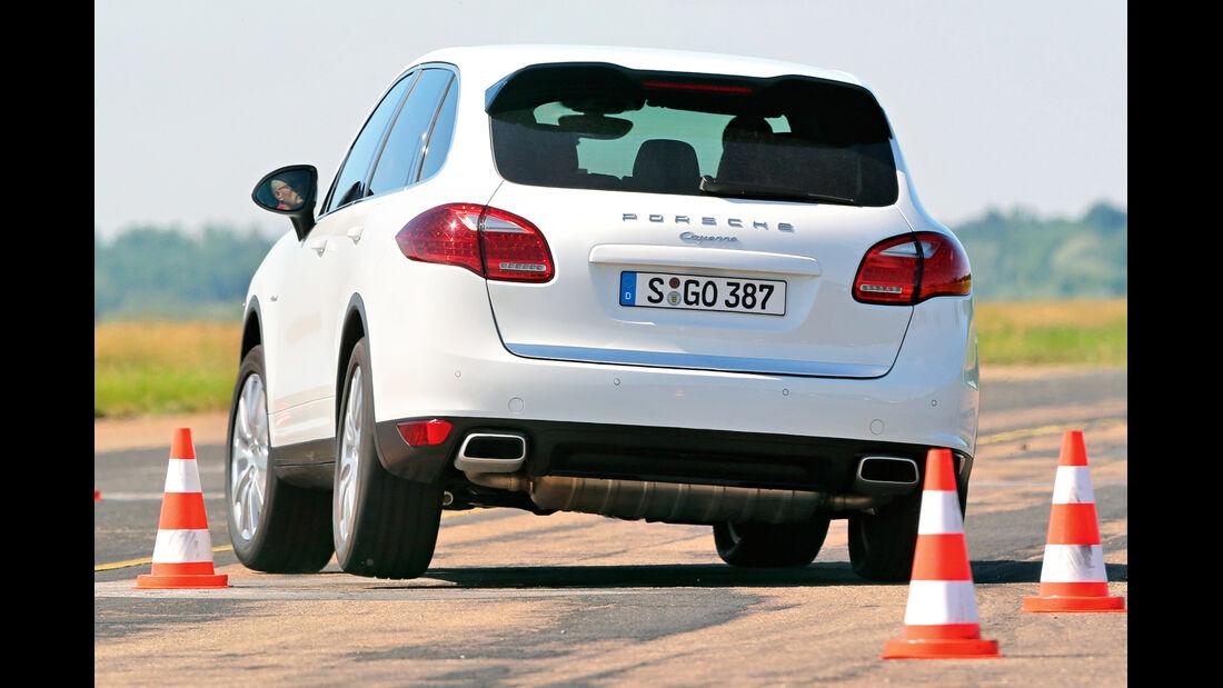 Porsche Cayenne Diesel, Heckansicht, Slalom