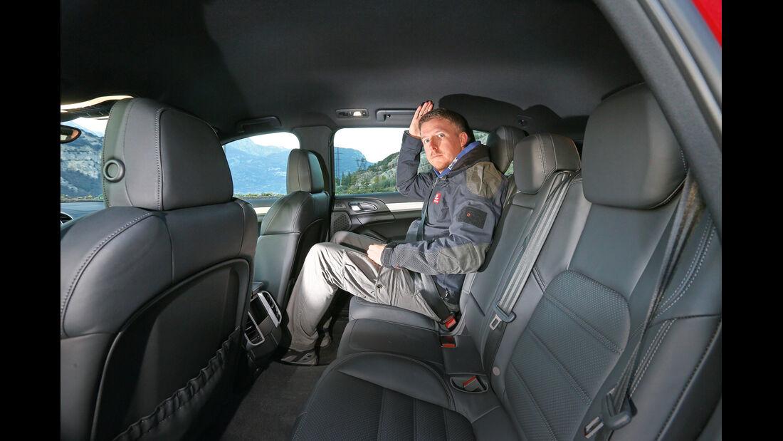 Porsche Cayenne S Diesel, Rücksitz, Beinfreiheit