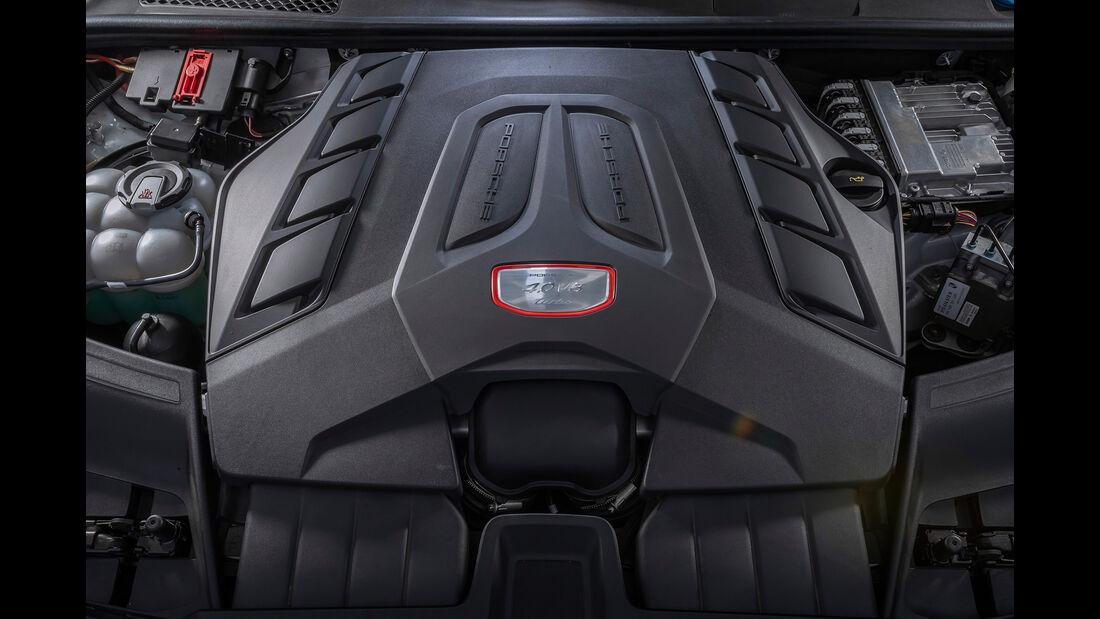Porsche Cayenne Turbo, Motorraum