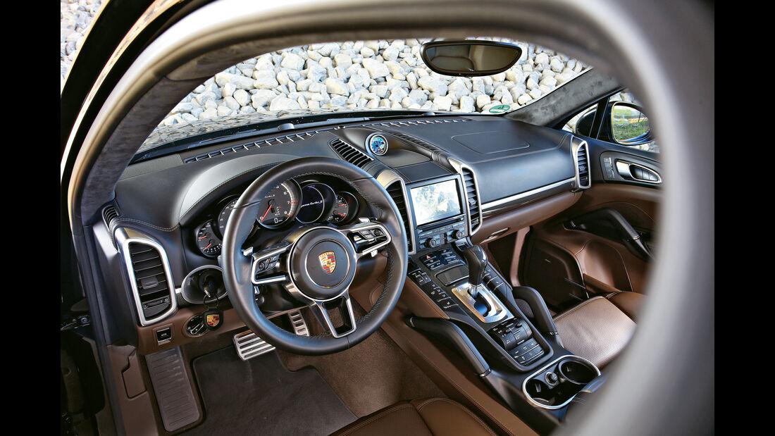 Porsche Cayenne Turbo S, Cockpit
