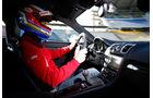 Porsche Cayman GT4, Cockpit