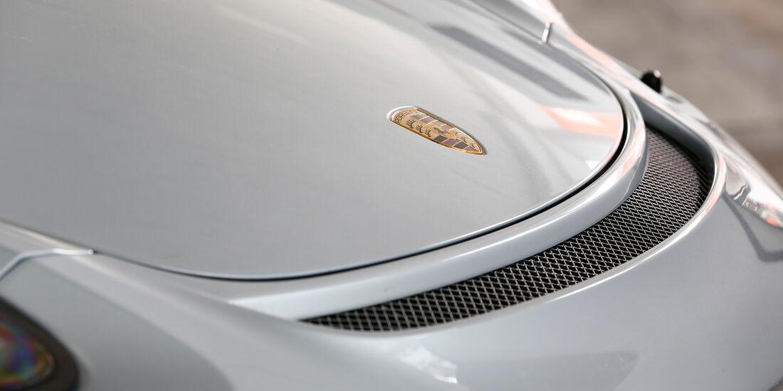 Porsche Cayman GT4, Motorhaube