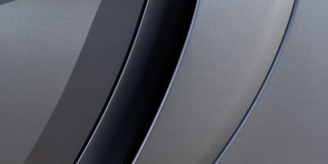 Porsche Cayman GT4, Sideblade
