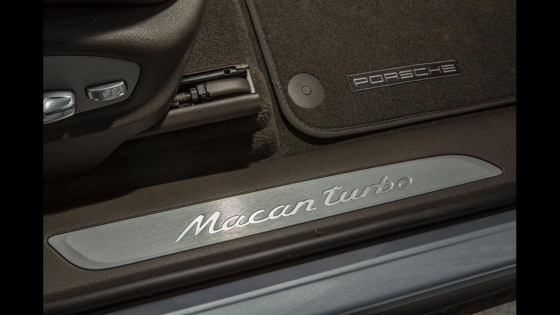 Porsche Macan Turbo, Fußleiste