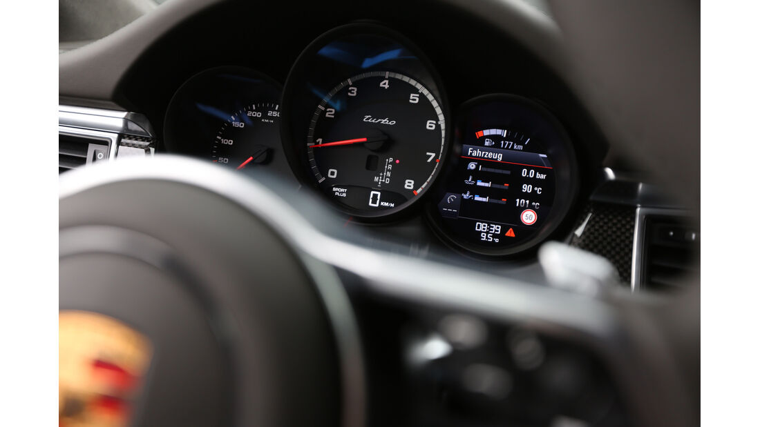 Porsche Macan Turbo, Rundinstrumente