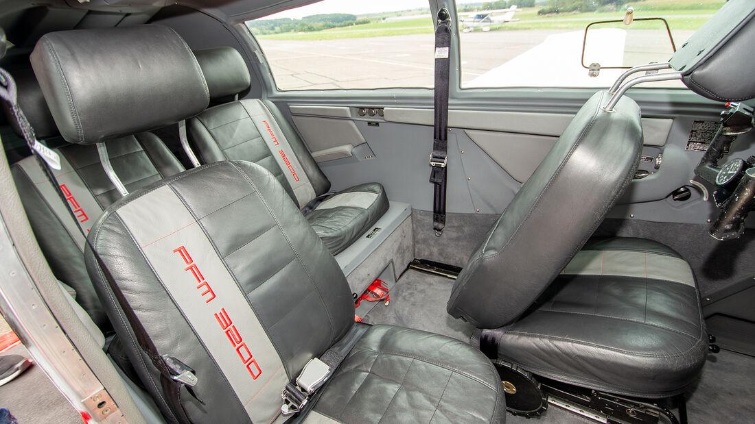 Porsche Mooney PFM 3200