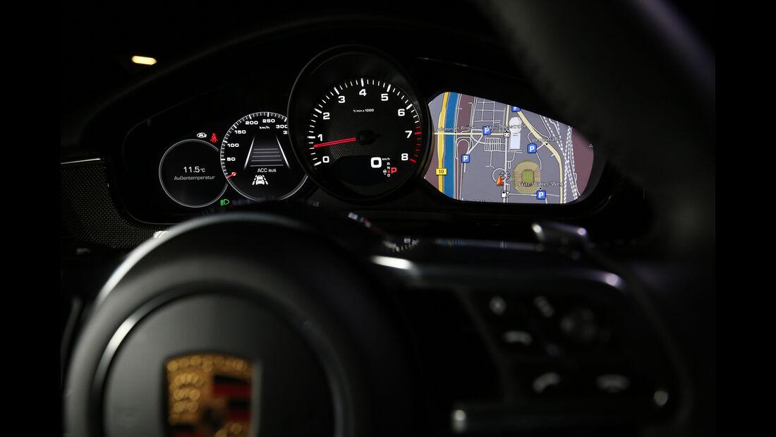 Porsche Panamera 4S, Anzeigeinstrumente