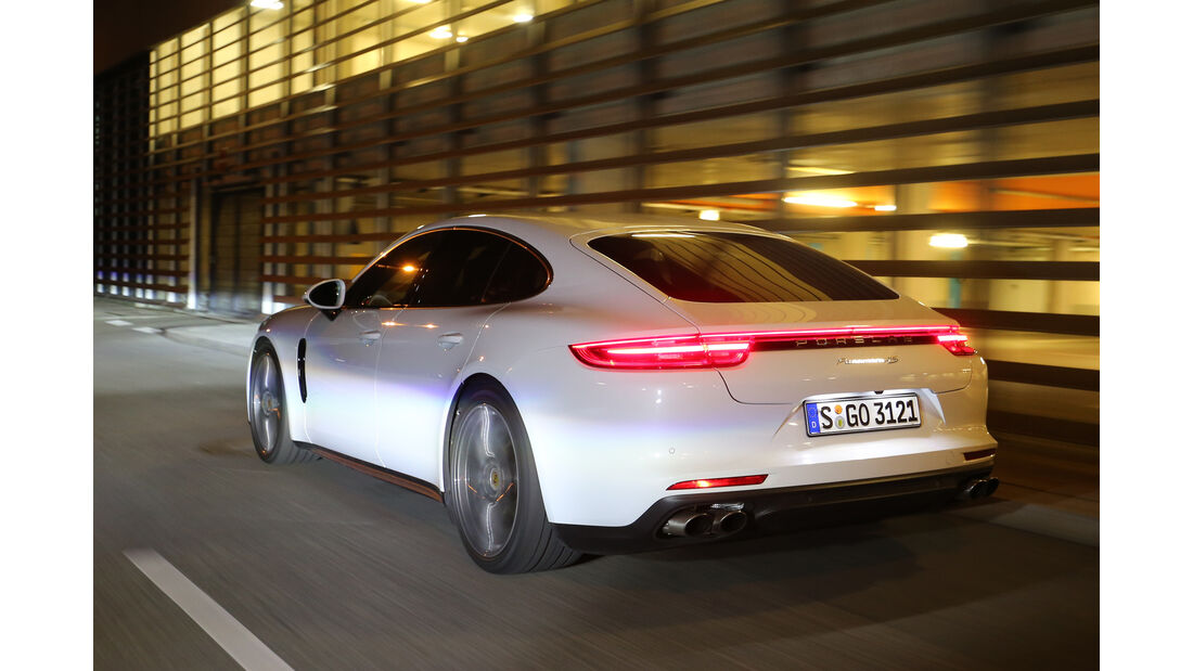 Porsche Panamera 4S, Heckansicht