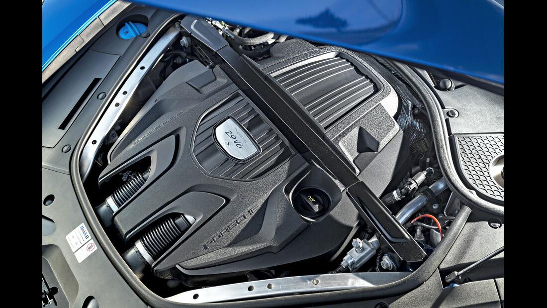 Porsche Panamera 4S Sport Turismo, Motor