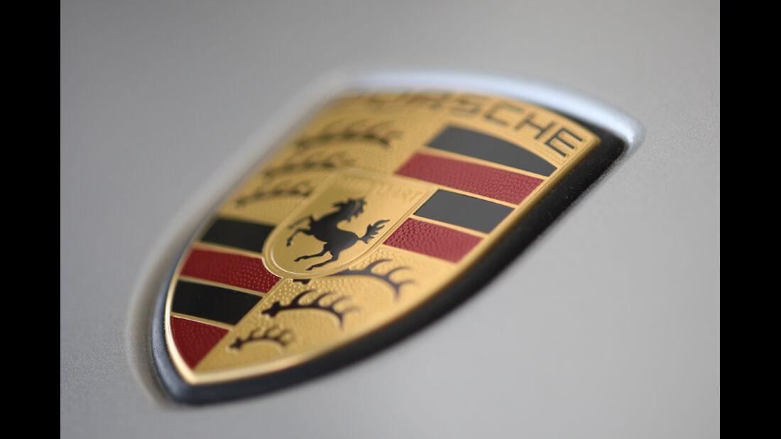 Porsche Panamera D, Emblem