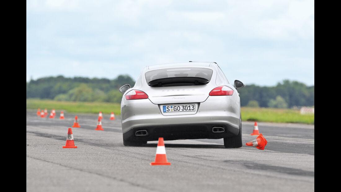 Porsche Panamera Diesel, Heck, Slalom
