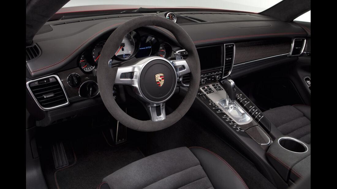 Porsche Panamera GTS, Cockpit