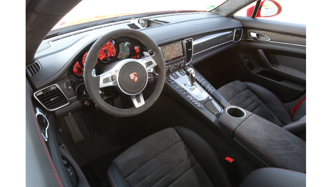 Porsche Panamera GTS, Cockpit, Lenkrad