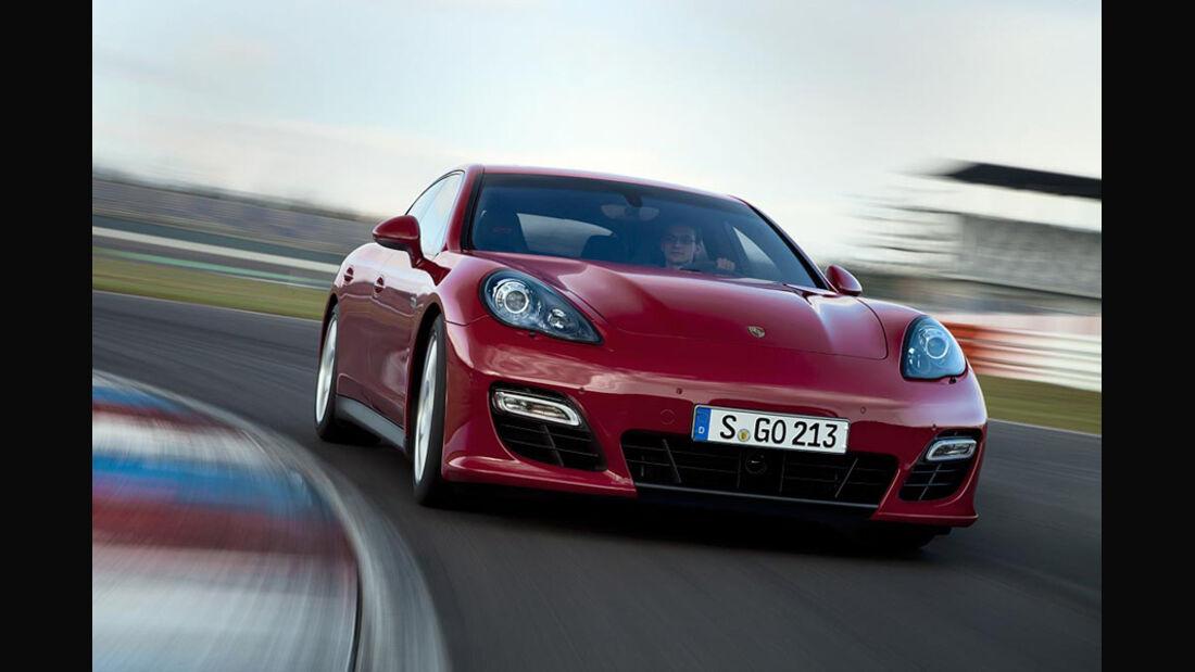 Porsche Panamera GTS, Front, Kurve