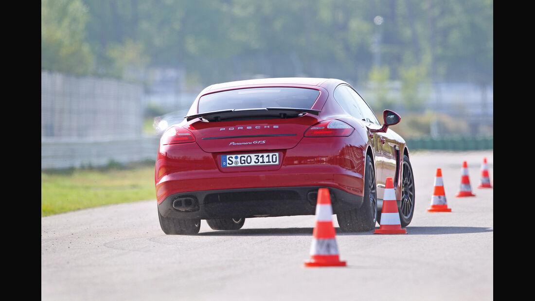 Porsche Panamera GTS, Heck, Slalom