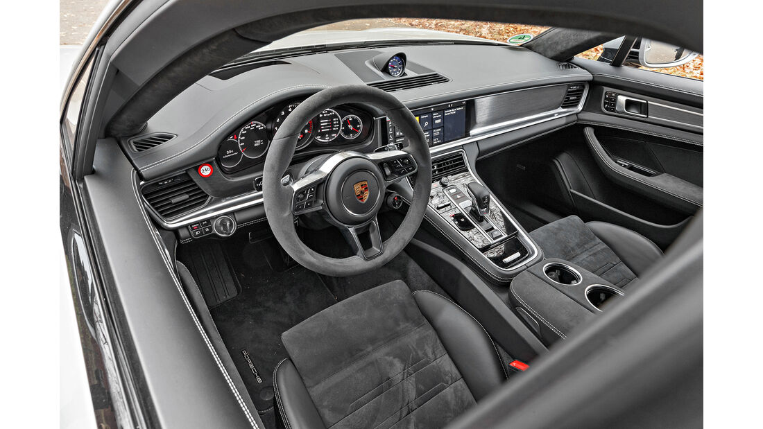 Porsche Panamera GTS, Interieur