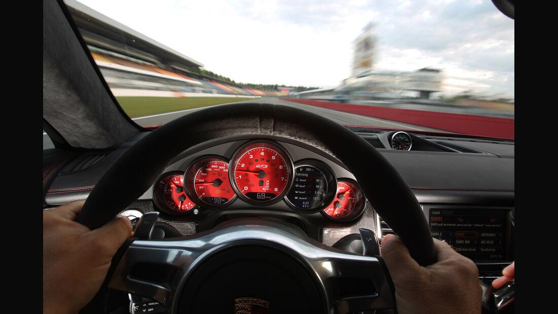 Porsche Panamera GTS, Lenkrad, Rundinstrumente