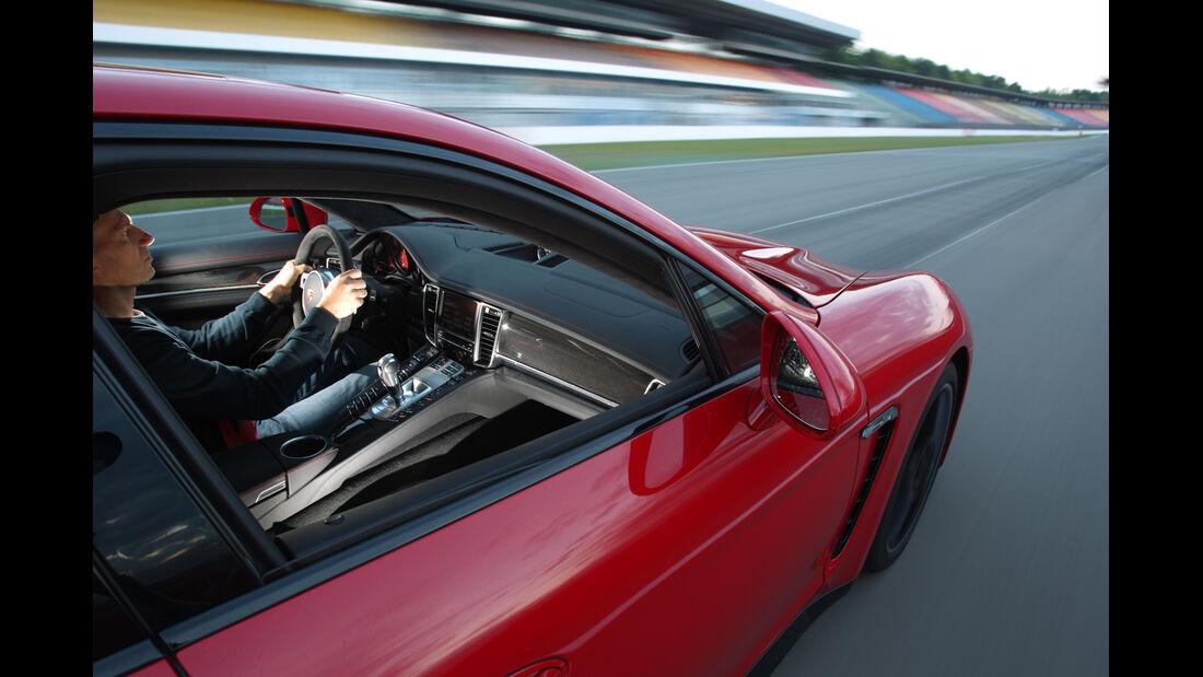 Porsche Panamera GTS, Seitenfenster, Cockpit