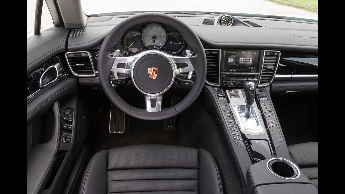 Porsche Panamera S E-Hybrid, Cockpit