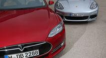 Porsche Panamera S E-Hybrid, Tesla Model S, Motorhaube