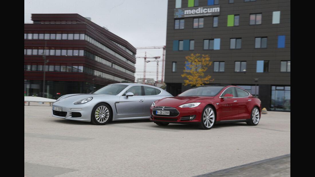 Porsche Panamera S E-Hybrid, Tesla Model S, Seitenansicht