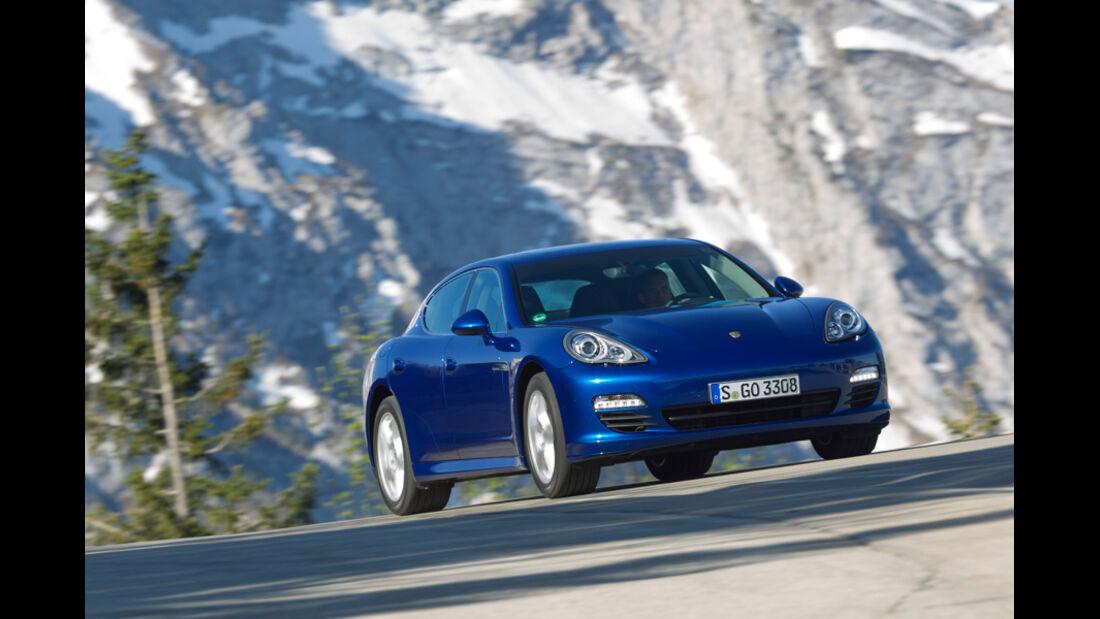 Porsche Panamera S Hybrid, Frontansicht, Fahrt, Bergstraße