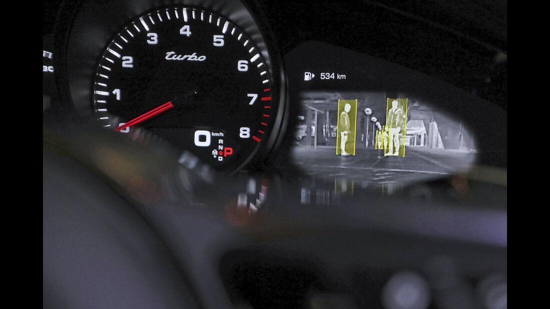 Porsche Panamera Sport Tourismo Turbo, Interieur