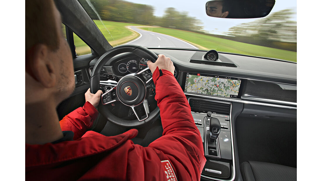 Porsche Panamera Turbo, Interieur