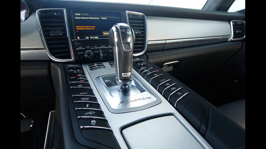 Porsche Panamera Turbo S, Mittelkonsole, Schalthebel