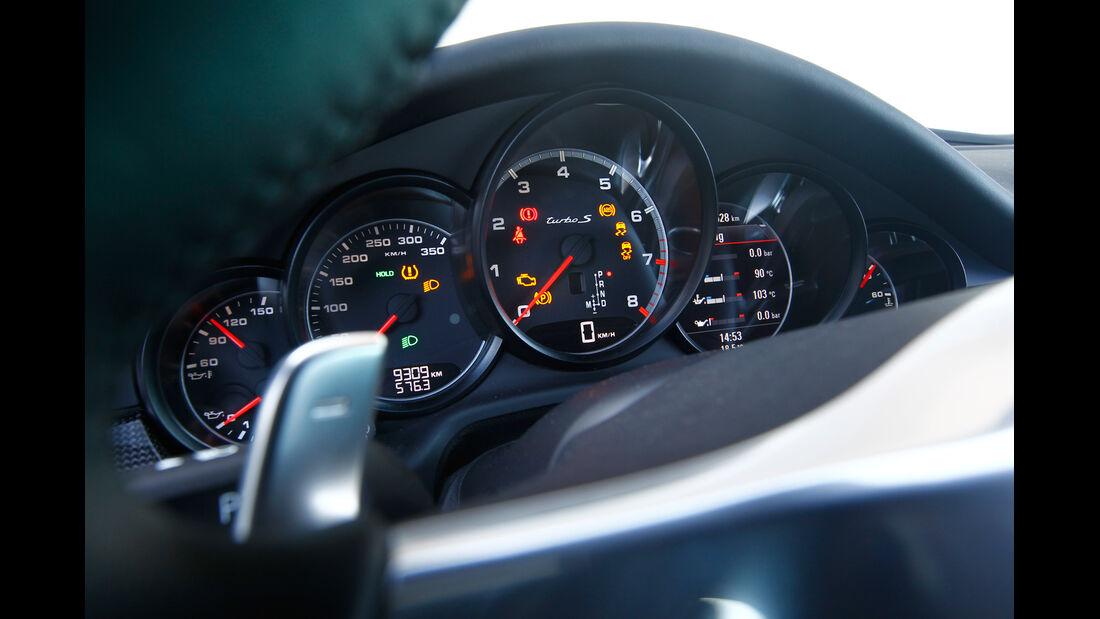 Porsche Panamera Turbo S, Rundinstrumente