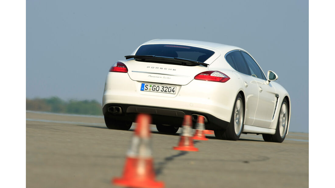 Porsche Panamera Turbo S, Slalom