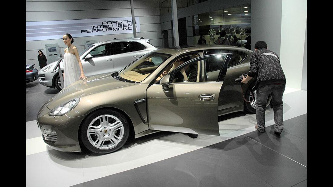 Porsche Panamera auf der Auto China 2010