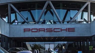 Porsche-Schriftzug, Werk Leipzig