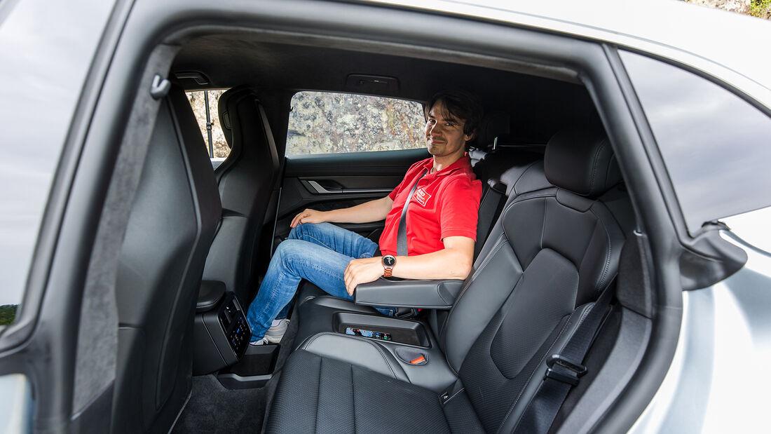 Porsche Taycan 4S Cross Turismo, Inerieur