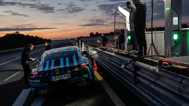 Porsche Taycan Erprobung Nardò