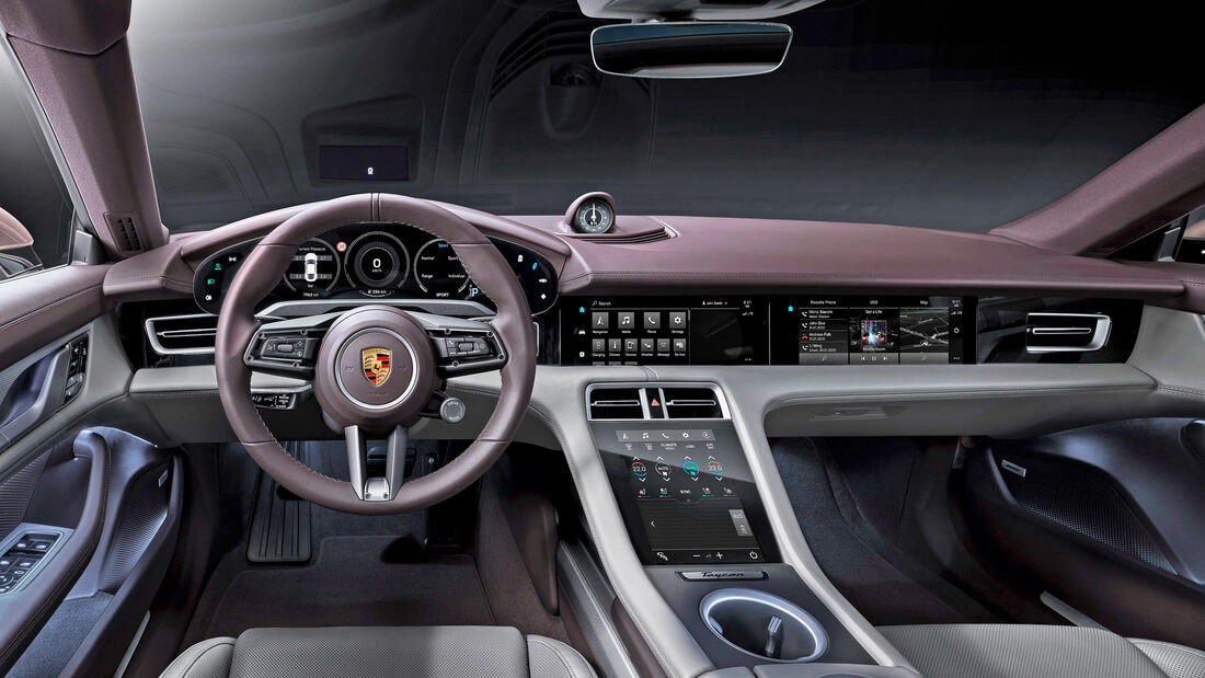 Porsche Taycan Rosa China