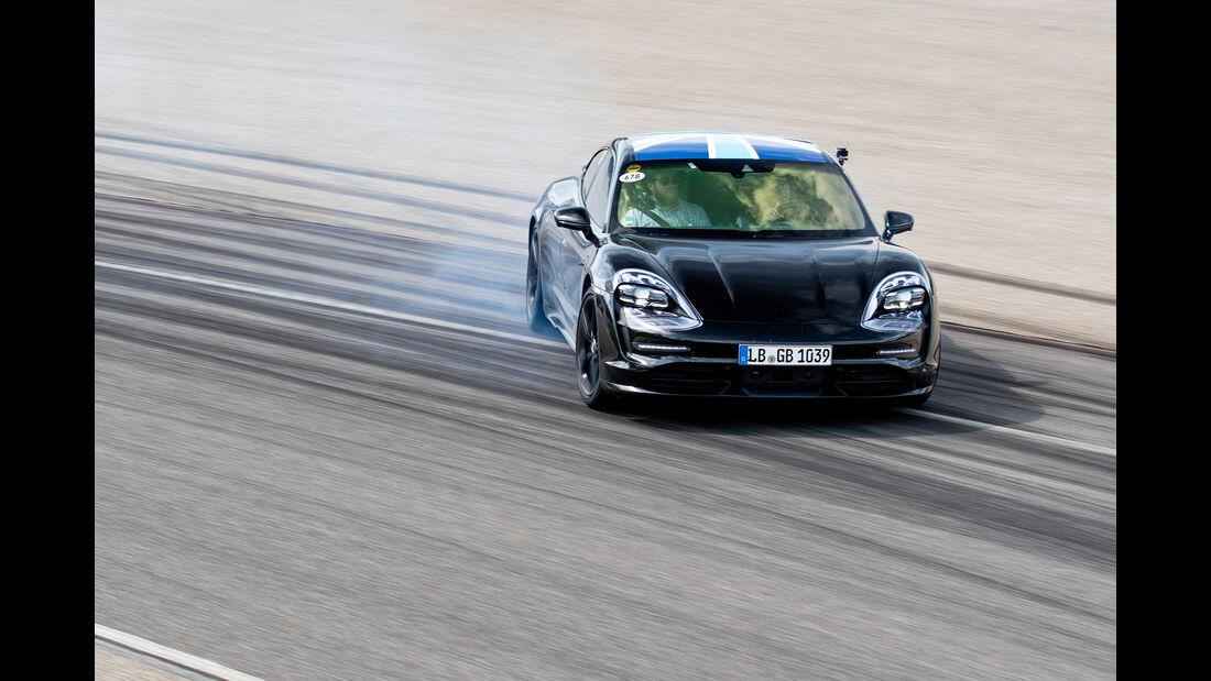 Porsche Taycan Technik Erprobung Workshop