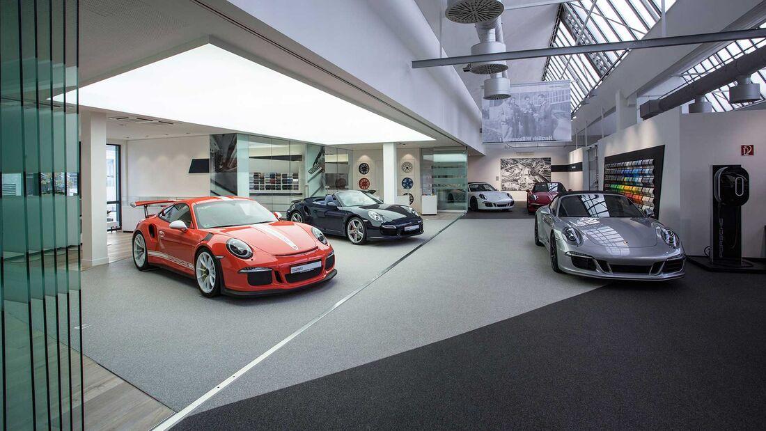 Porsche Werksauslieferung Halle 2015