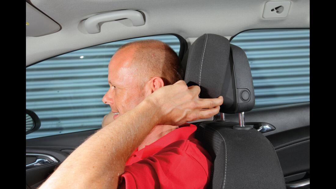 Praxistest, Opel Astra Sportstourer 1.4 Turbo, Nackenstütze