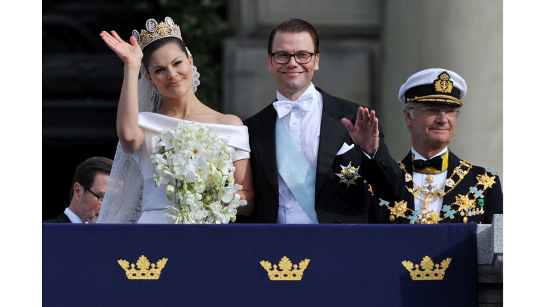Prinzessin Viktoria winkt vom Balkon2010,
