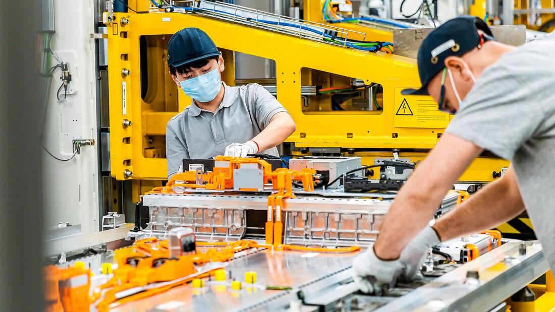 Produktion EQC, Werk in Kamenz