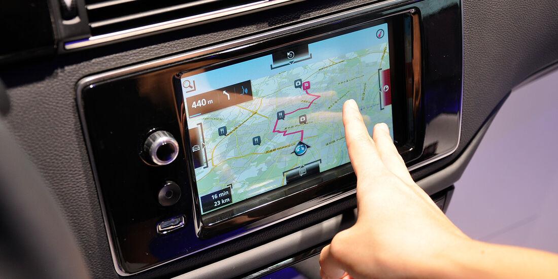 Qoros 3 Sedan, Mittelkonsole, Infotainment, Touchscreen