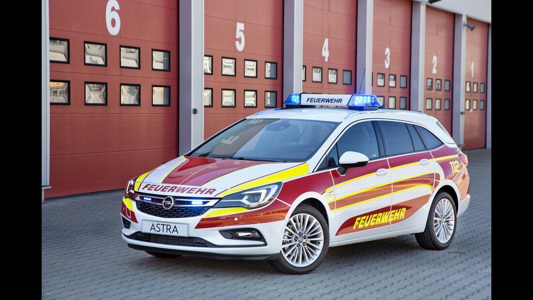 RETTMobil 2016, Einsatzfahrzeuge, Notarzt, Rettungsdienst, Opel Astra Sports Tourer