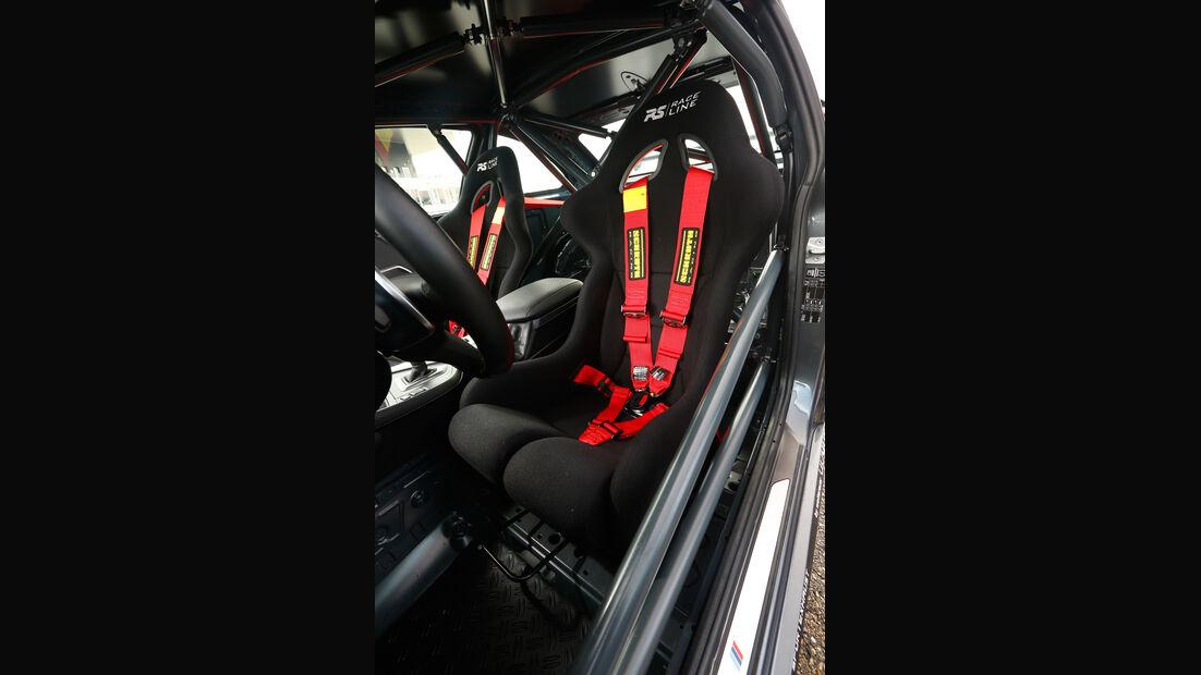 RS-Raceline-BMW M235i, Fahrersitz