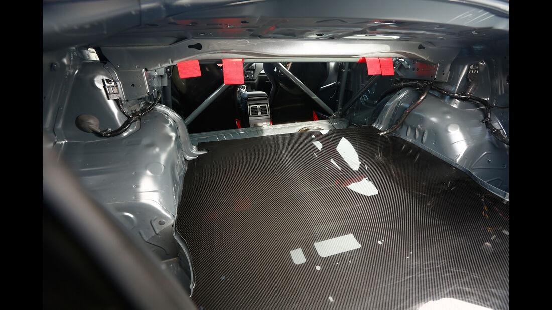 RS-Raceline-BMW M235i, Innenraum