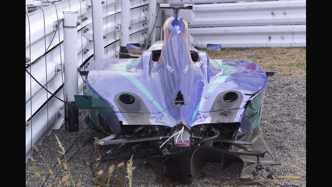Räikkönen GP Japan 2001 Crash